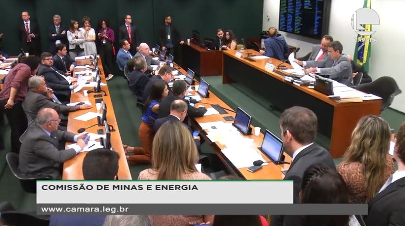 Votação de venda direta é adiada na Comissão de Minas e Energia